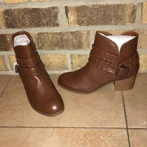 ✂️FINAL PRICE CUT!✂️ NEW! Style&Co booties sz9.5